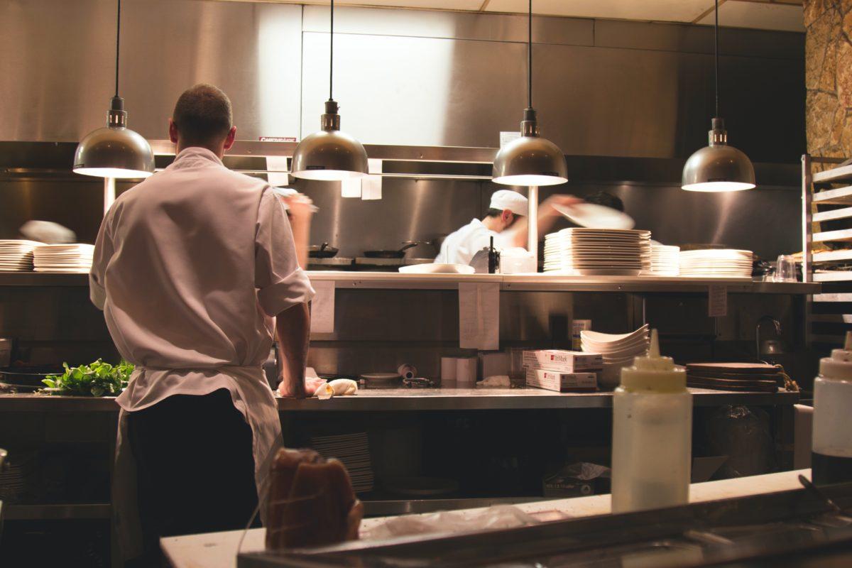 A cozinha do seu restaurante sempre limpa